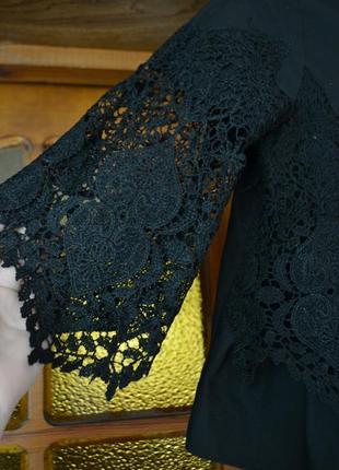 Чёрная рубашка-разлетайка с кружевом
