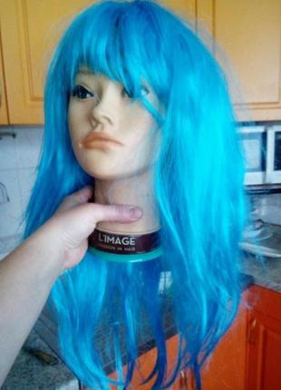 Голубой парик канекалон