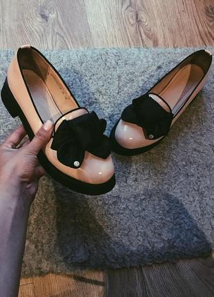 Туфли / слипоны