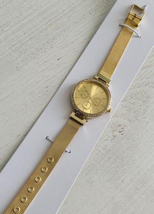 Женские часы со стразами . новые