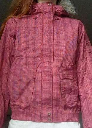 Яркая курточка columbia