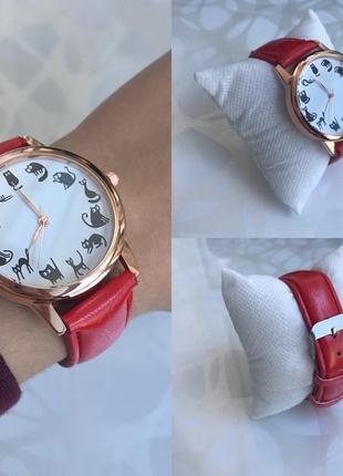Женские наручные часы с котиками красные