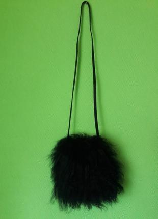 Сумочка клатч  на длинной ручке с натурального меха