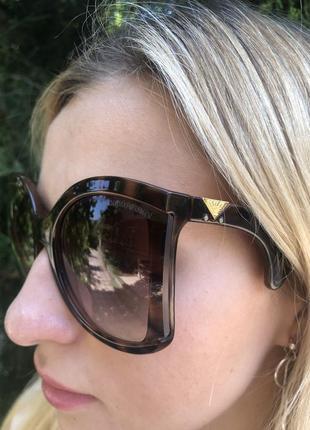 Солнцезащитные очки 20198 фото