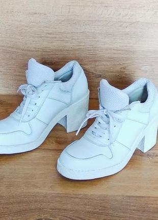 Туфли-кеды на каблуке sixtyseven, испания
