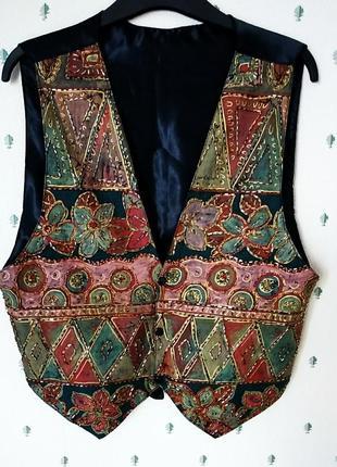 Красивый  нарядный жилет с вышивкой бисером р 44-46
