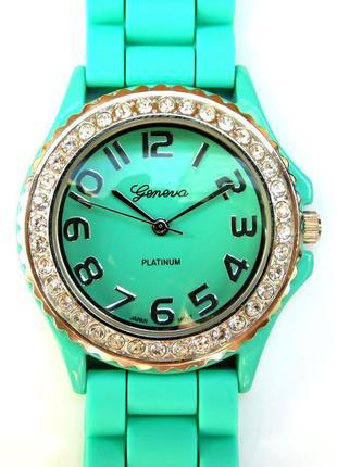 Geneva platinum часы из сша с кристаллами на корпусе мех.japan sii