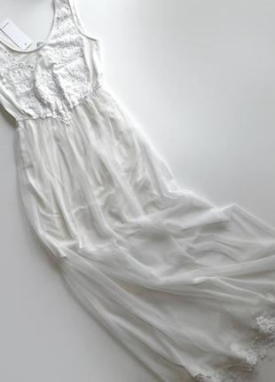 Длинное белое сетка платье с кружевной аппликацией