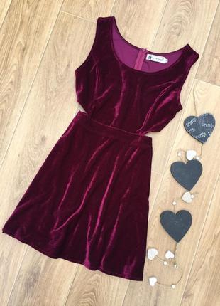 Красивое бархатное платьице. hearts &bows
