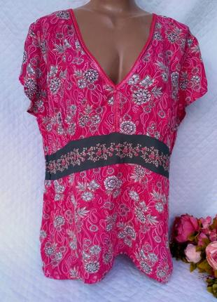 Красивая летняя блуза в цветы размер 18- 20 (50-54)