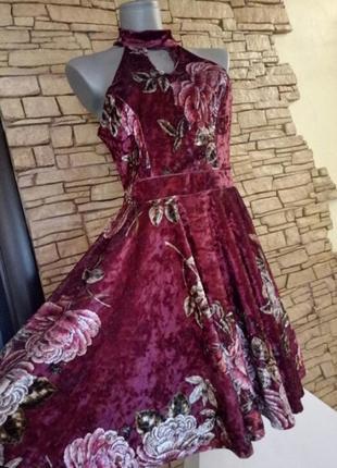 Велюровое,бархатное платье с чокером,юбка солнце-клеш
