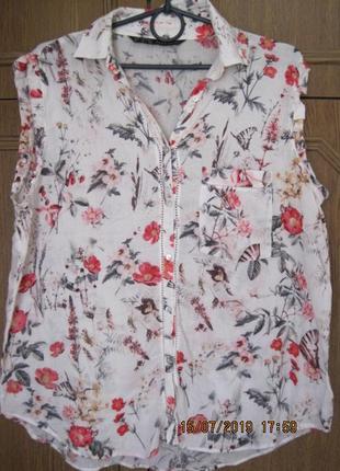 Летняя рубашка с карманчиком в цветочный принт