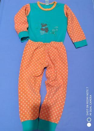 Комфортная качественная пижамка 3-4 года