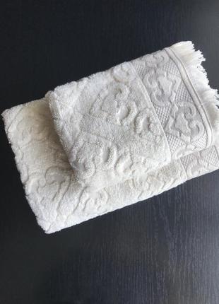 Набор махровых полотенец высокой плотности