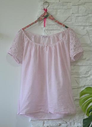 Розовенькая   блузочка с кружевными рукавчиками  от бренда miss etam