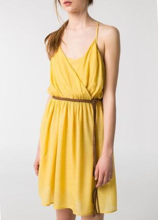Модный желтый сарафан