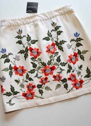 Белая котонавая юбка в вышивку цветы