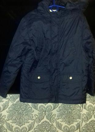 Легкая курточка на мальчика