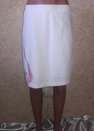 Белая спортивная юбка с шортами