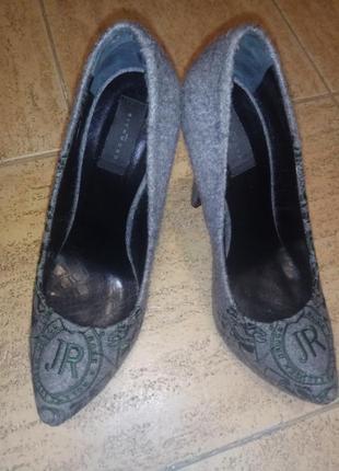 Дизайнерские войлочные туфли на шпильке с вышивкой john richmond, р.39