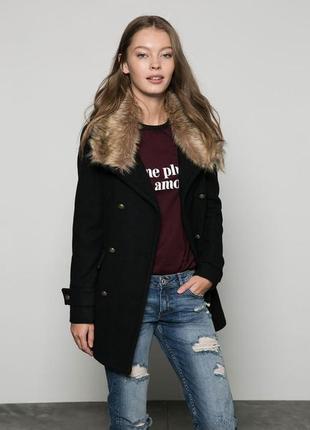 Темно-синее пальто pull&bear