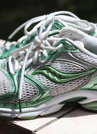 Кроссовки для бега saucony progrid triumph 4,  41-42