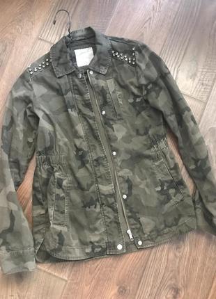 Камуфляжная куртка ветровка со стразами denim co