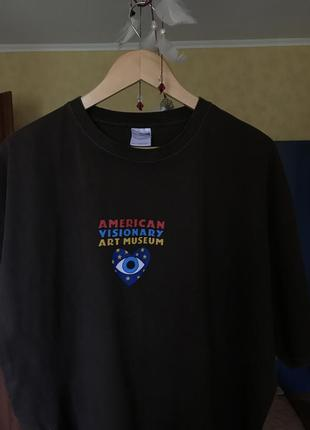 Стильная футболка american visionary art museum