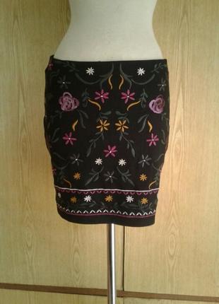 Вискозная черная с вышивкой юбка,l.