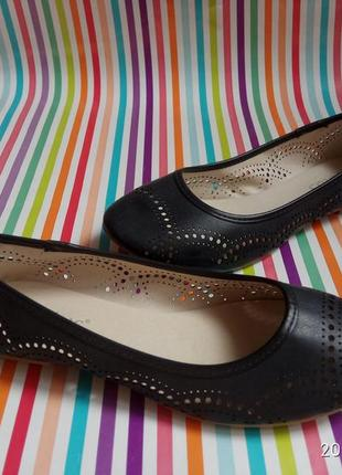 Легесенькі зручні туфельки