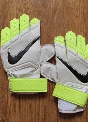 Суперские полупрофессиональные вратарские перчатки nike
