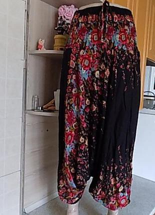 Сногсшибательные штаны алладины бриджи как юбка размер украинский 50-52-54