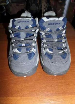 Кросівки brooks