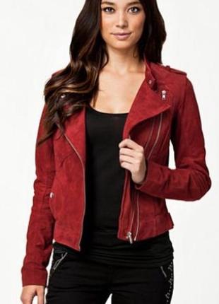 В наличии! veromoda: красная замшевая куртка, кожа, кожаная косуха, кожанка