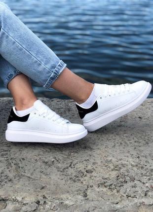 Легкие кроссовки mcaqueen в белом цвете (весна-лето-осень)😍
