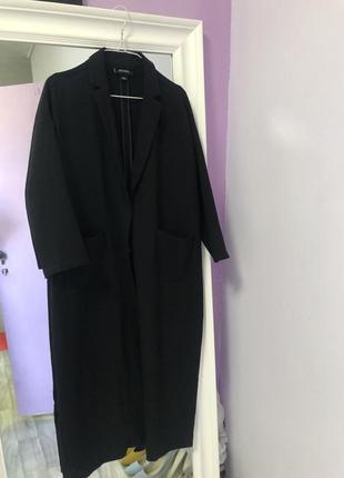 Стильное удлинённое чёрное летнее пальто накидка тренч