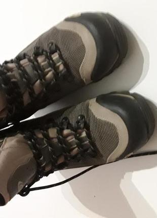 Фирменные класные качественные ботинки 38 р.