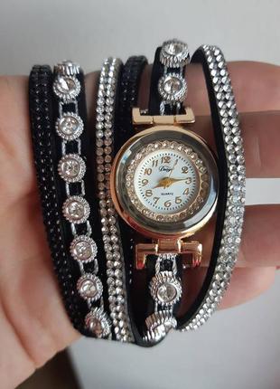 Часы наручные на браслете geneva цвет чёрный