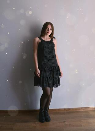 Платье в горохи с рюшами