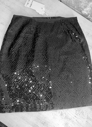 Юбка с паетками черная