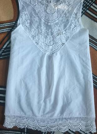 Трендовая нежная белоснежная блуза с кружевом