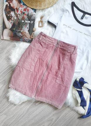 Вельветовая юбка розового цвета с трендовым замком и колечком