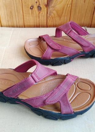Новые стильные босоножки треккинговые сандалии keen для людей активного образа жизни
