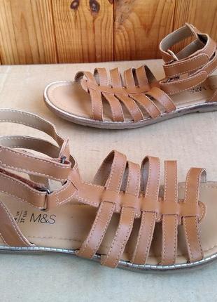 Новые стильные кожаные босоножки marks & spencer