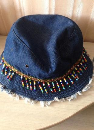 Джинсовая панама шляпа с ярким орнаментом и бисером