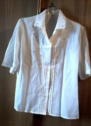 Легкая  блузка кофточка рубашка с узором спереди, на размер l-xl