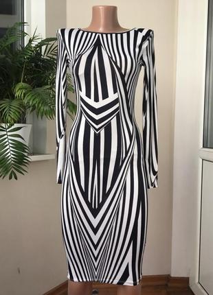 Миди платье в чёрно белые полоски