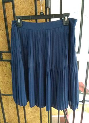 Синяя плиссированная юбка размер л