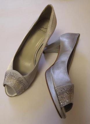 Красивые брендовые туфельки-босоножки vero cuoio,made in italy, размер 36
