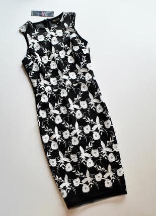 Шикарное облегающее платье с выбитыми кружевными цветами lipsy london